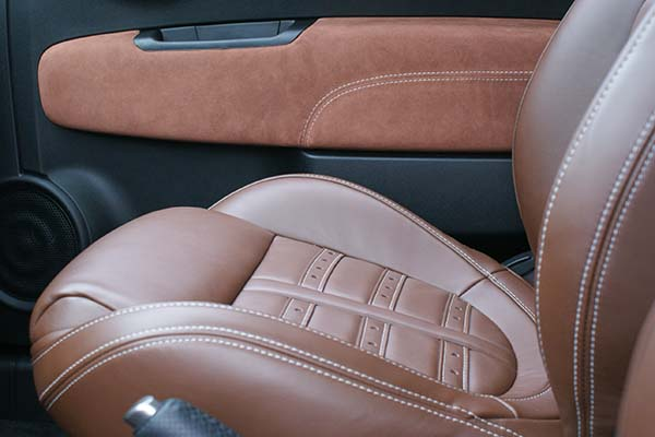 Fiat 500 Abarth Nappa Bruin en Alcantara Amber Voorstoel Zitting