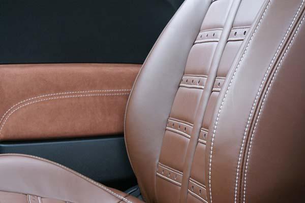 Fiat 500 Abarth Nappa Bruin en Alcantara Amber Voorstoel
