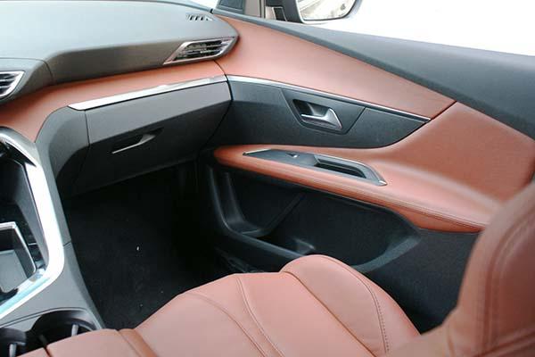 Peugeot 3008 Buffalino Leder Mustangbruin Overzicht