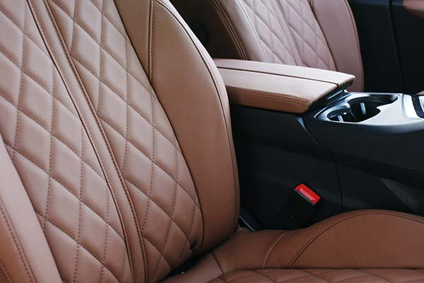 Peugeot 3008 GT-Line Buffalino Leder Kaneelbruin Diamond stiksel Detail