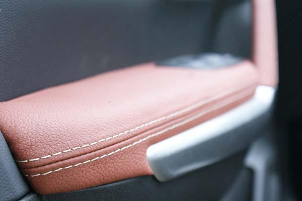 Renault Kadjar Buffalino Leder Groen Mustangbruin Diamond stiksel Deurpaneel