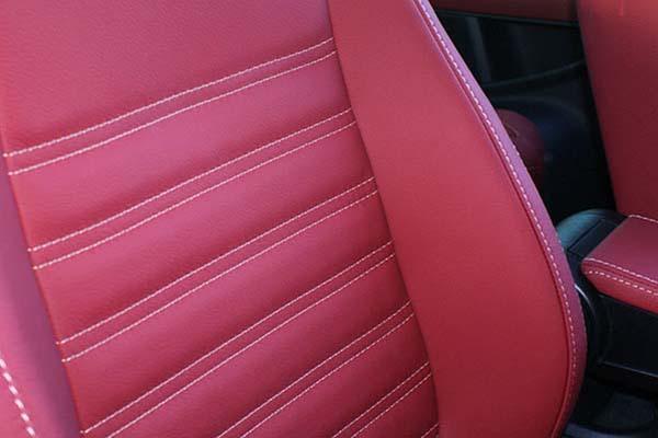 Volkswagen Beetle Sport Buffalino Leder Rood Geel stiksel Detail