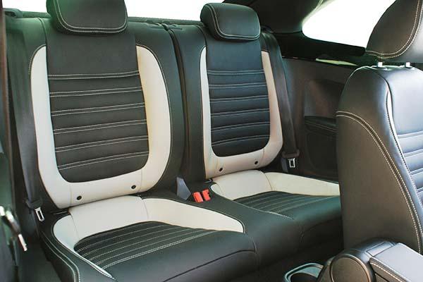 Volkswagen Beetle Sport Buffalino Leder Zwart Grijs Achterbank