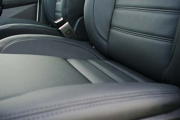 Ford Connect Alba eco-leather Zwart Detail
