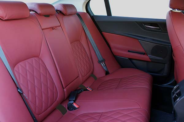 Jaguar X-Type XE Buffalino Leder Bordeaux Diamond Stiksel Achterbank