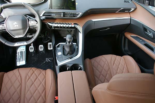Peugeot 3008 GT-Line Buffalino Leder Kaneelbruin Dashboard