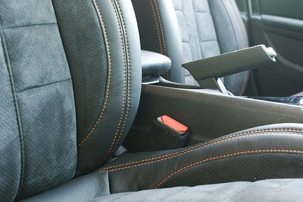Peugeot 308 Buffalino Leder Zwart Alcantara Oranje Stiksel Detail