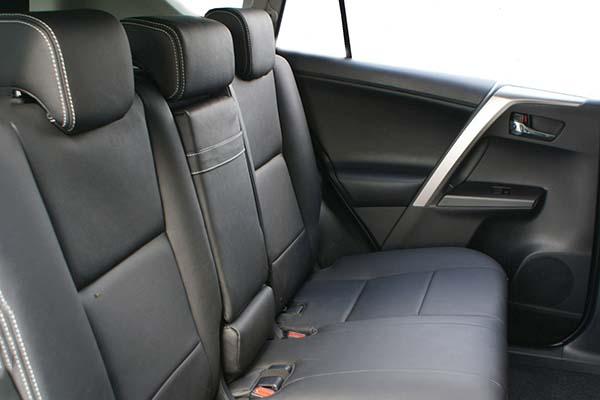 Toyota Rav 4 Buffalino Leder Zwart Geborduurd Logo Achterbank